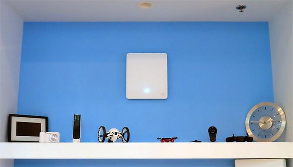 Deze router verspreidt draadloze elektriciteit door je huis