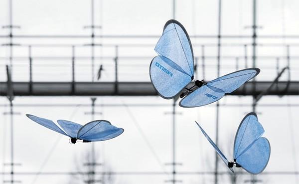 Deze robotvlinders zijn nauwelijks van echte vlinders te onderscheiden
