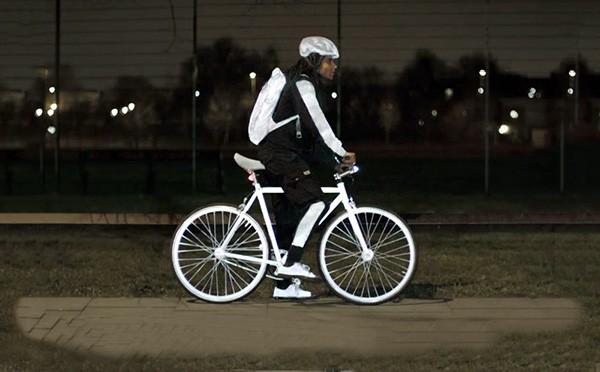 Volvo LifePaint: lichtgevende verf die het leven van een fietser veiliger maakt