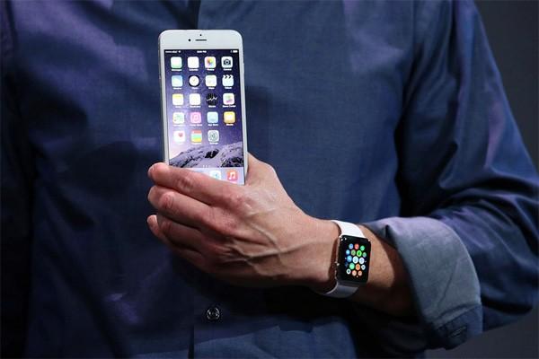 Grapjas Conan O' Brien maakt gehakt van de Apple Watch