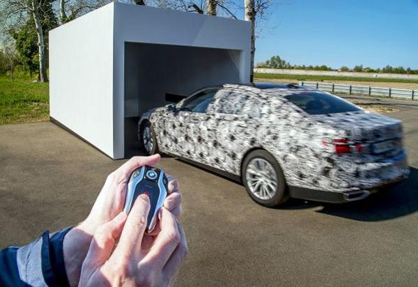 Parkeerangst? De nieuwe BMW 7 serie parkeert zichzelf in