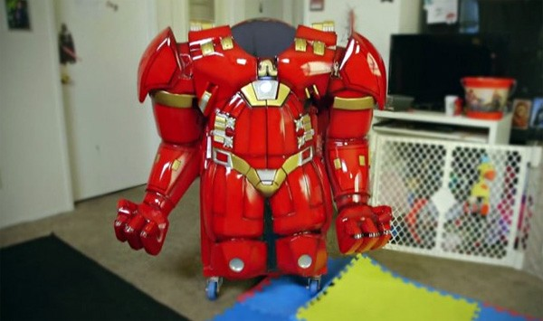 De HulkBuster Highchair is de koning onder de kinderstoelen