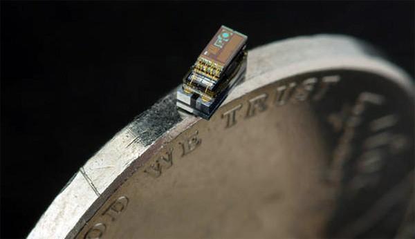 De kleinste computer ter wereld heeft het formaat van een rijstkorrel
