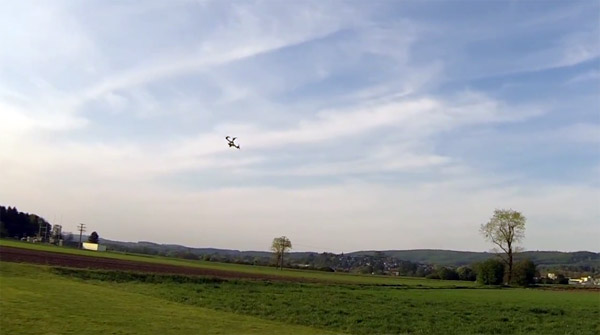 Ongekend De belachelijk snelle Quadmovr drone is geweldig speelgoed EJ-29