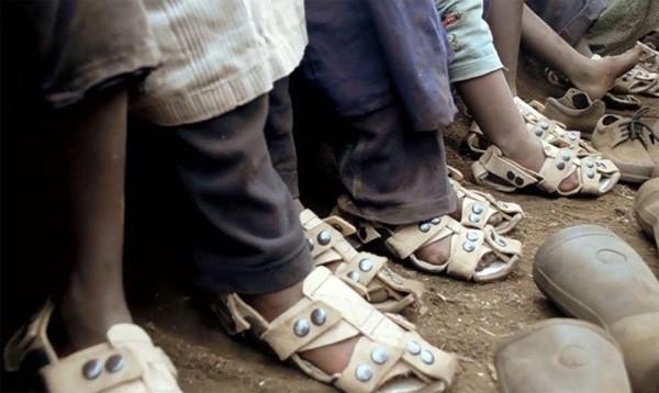 Schoenen die meegroeien met de voet zijn goed nieuws voor miljoenen arme kinderen