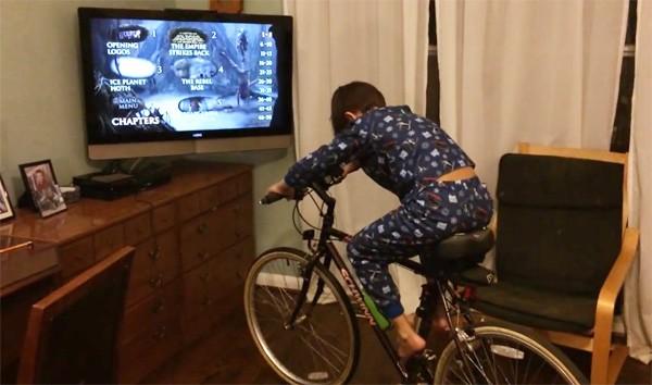 Met deze instructies bouw je een tv die alleen werkt als je fietst