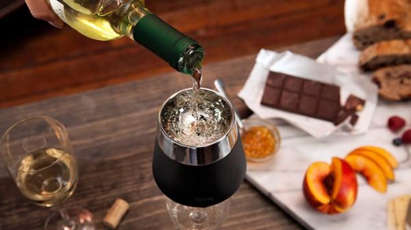 Ice Cap: de snelste manier om wijn te koelen en te beluchten