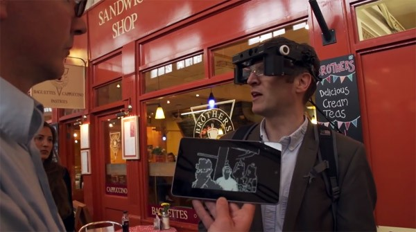 De high-tech bril van de Universiteit van Oxford geeft blinden hun zicht terug