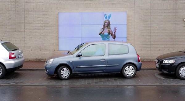 Dit interactieve billboard van Fiat helpt je met inparkeren