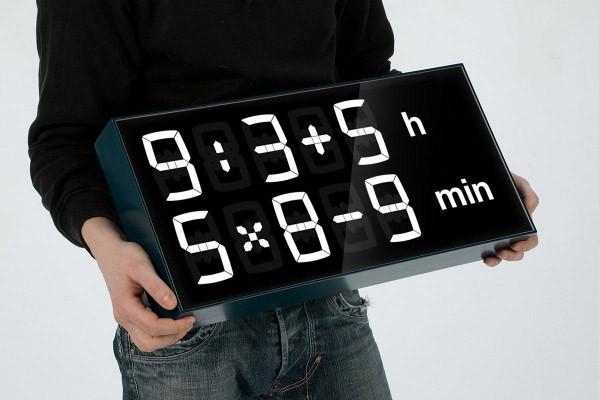 Geen wiskundeknobbel? De Albert Clock helpt je uit de brand