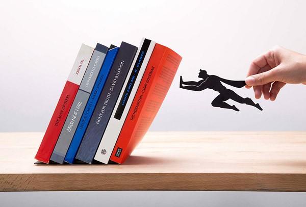 De Book & Hero Bookend redt je boeken van de ondergang