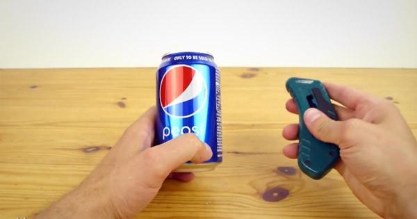 Zo maak je van een leeg blikje cola een DeLorean