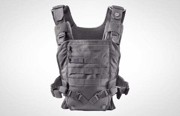 Tactical Baby Carrier: laat zien dat je het ouderschap bloedserieus neemt