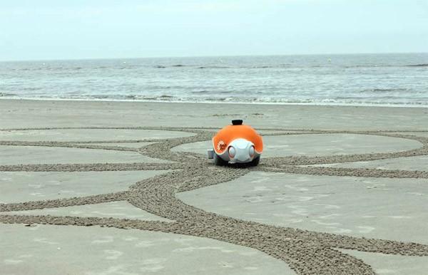 Beach Bot: een robot die gigantische strandtekeningen maakt