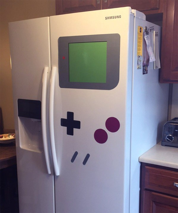 Deze magneten veranderen je koelkast in een Gameboy