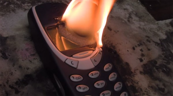 De Nokia 3310 blijkt dus toch kapot te kunnen