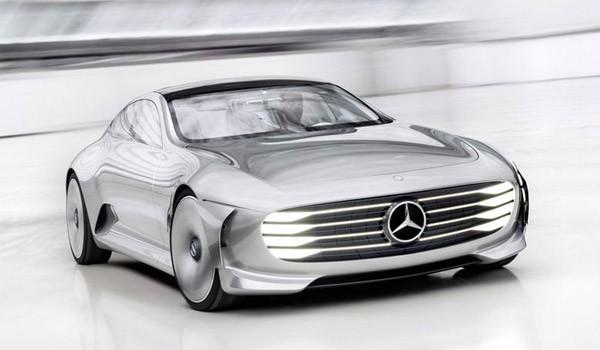 De hypermoderne Mercedes Concept IAA transformeert tijdens het rijden