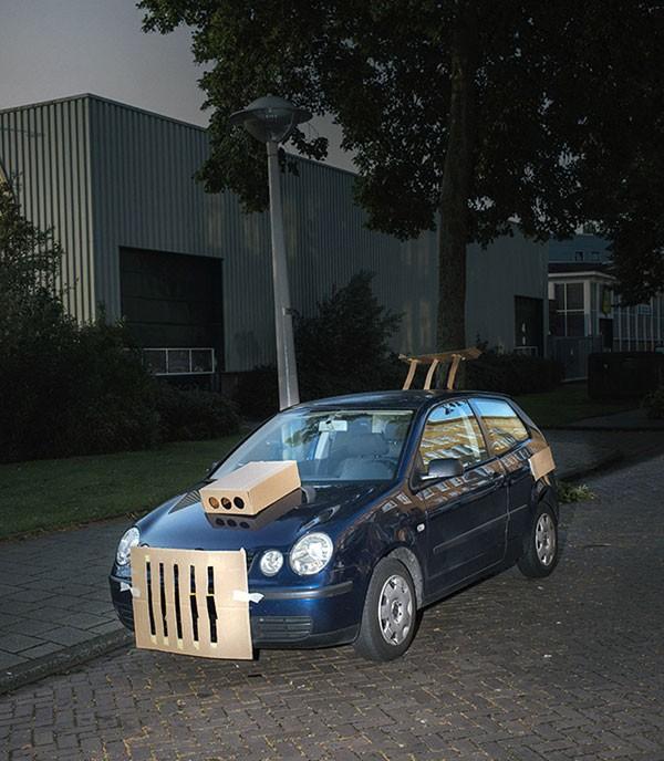 """Fotograaf trekt er 's nachts op uit in Amsterdam om auto's te """"pimpen"""""""