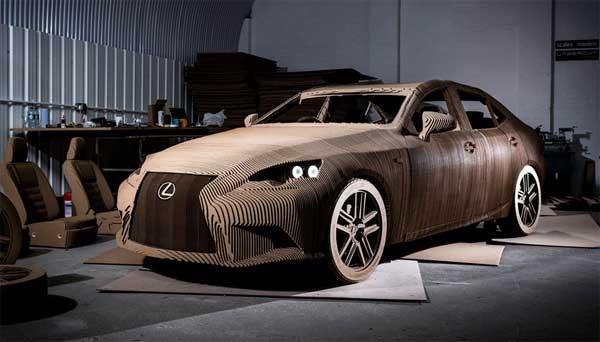 Deze elektrische auto is gemaakt van karton