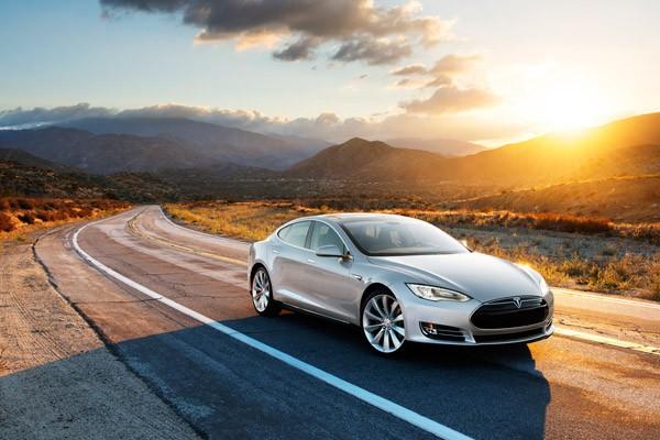 Tesla's Autopilot modus is soms levensgevaarlijk