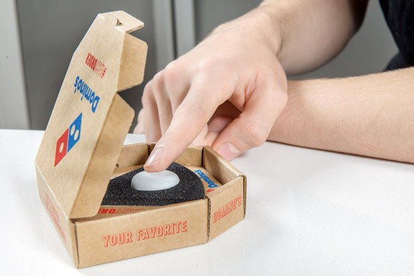 Domino's Pizza ontwikkelt een pizzaknop