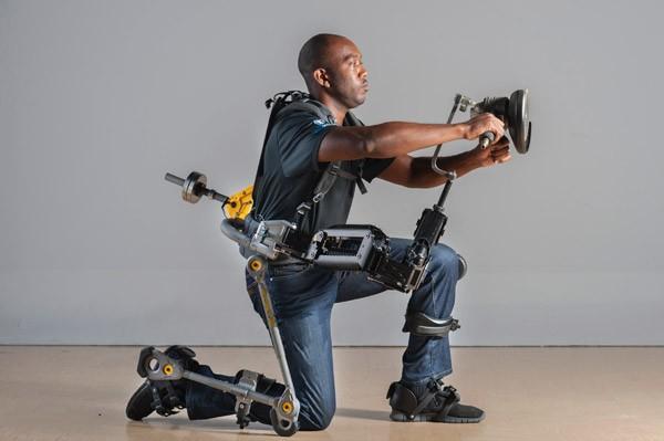 Fortis: een exoskelet voor noeste arbeid