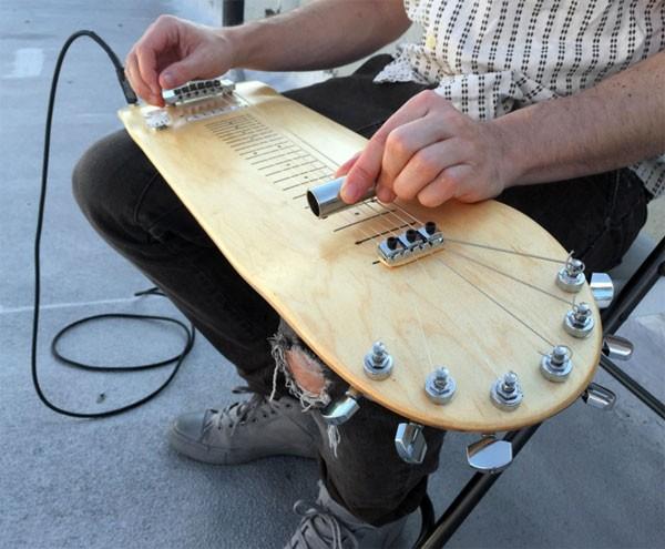 Lap Skate Guitar: een gitaarskateboard