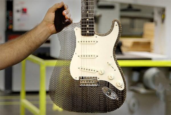 Van karton blijk je uitstekende gitaren te kunnen bouwen