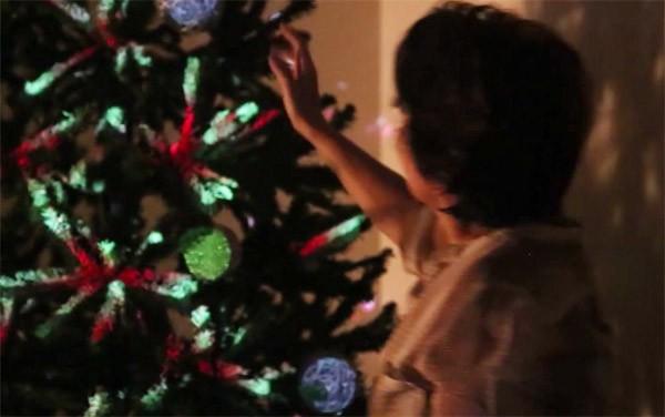 Wow! Projection mapping op een kerstboom