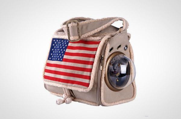 Vervoer je kat met deze op astronautenpakken gebaseerde tassen
