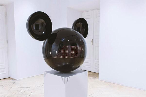Interactieve Mickey Mouse laat kinderen in museum op hol slaan