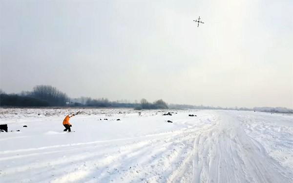 Droneboarding met een uit de kluiten gewassen drone