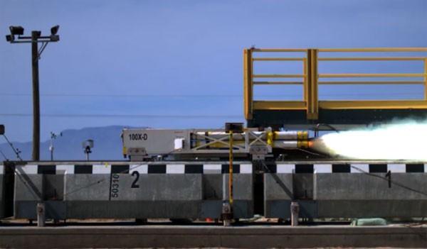 De magnetische zweeftrein van de toekomst gaat misschien wel 1000 kilometer per uur