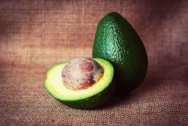 Niet-chemische machine zorgt ervoor dat avocado's niet bruin worden