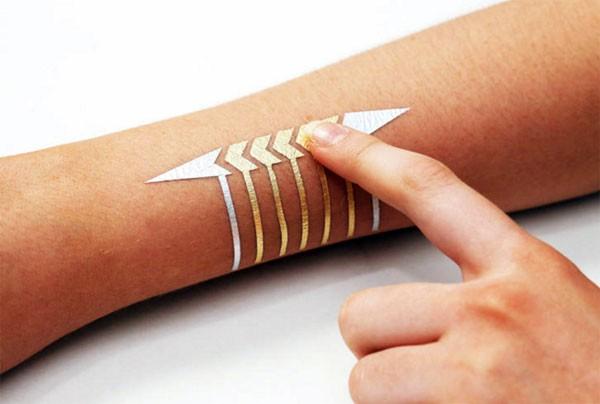 DuoSkin: een tijdelijke tatoeage die elektriciteit geleidt
