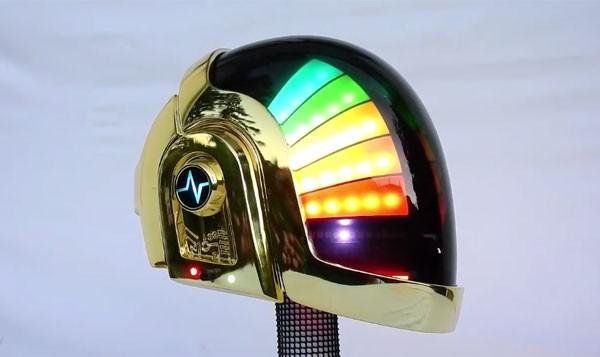 Daft Punk-fan maakt geniale kopie van robothelm