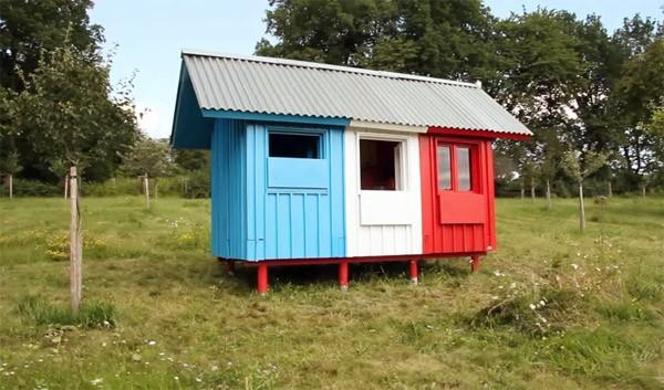 France: een mini-huisje dat je in drie uur in elkaar kunt zetten