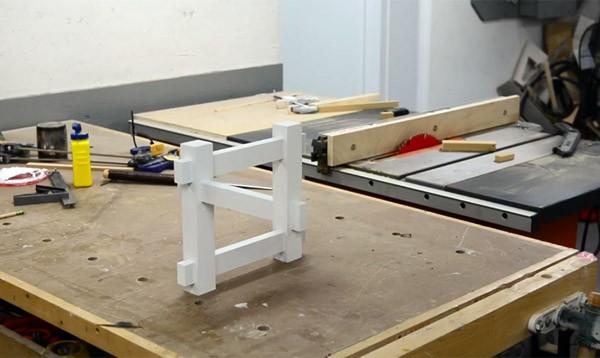 Zo bouw je met hout een geinige optische illusie