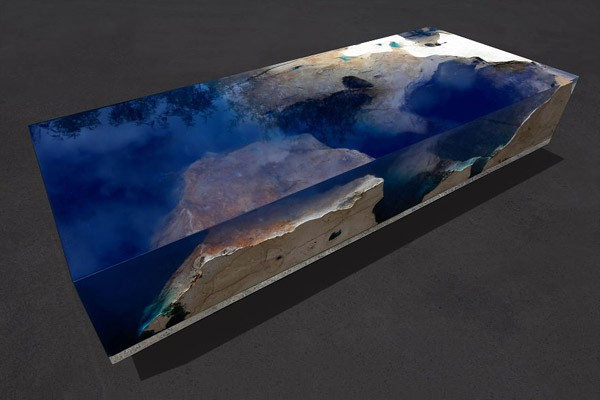 Starry Sea Table: marmer, acrylhars en 500 led-lampjes