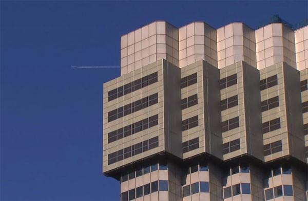 De wonderlijke manier waarop men in Tokio wolkenkrabbers sloopt