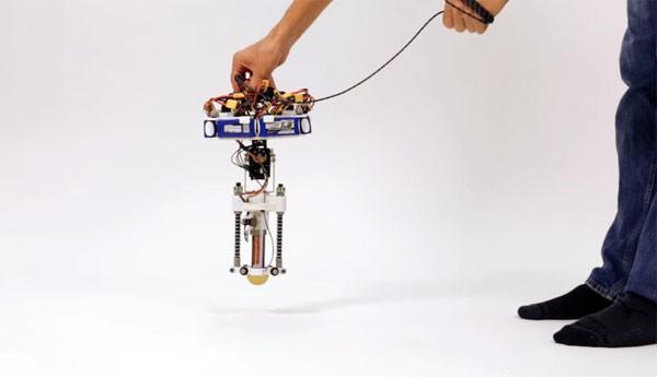 De schattige springende robot van Disney