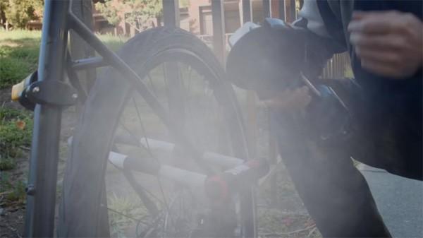 Skunklock: een fietsslot dat stinkt