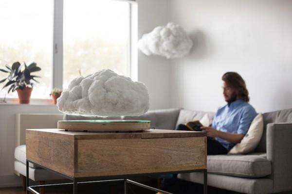 Een draadloze speaker in de vorm van een donderwolk