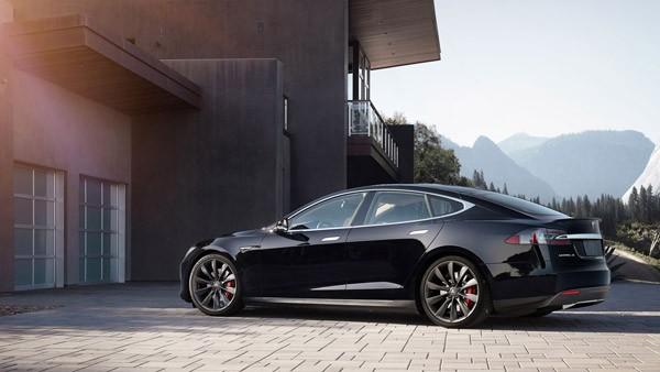 Hoe de automatische remmen van Tesla ongelukken kunnen voorkomen