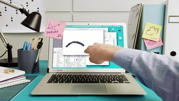 AirBar: een betaalbare sensor die je MacBook een touchscreen geeft