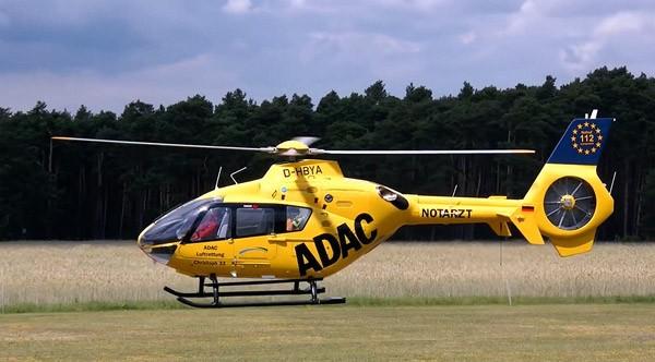 's Werelds grootste op afstand bestuurbare helikopter