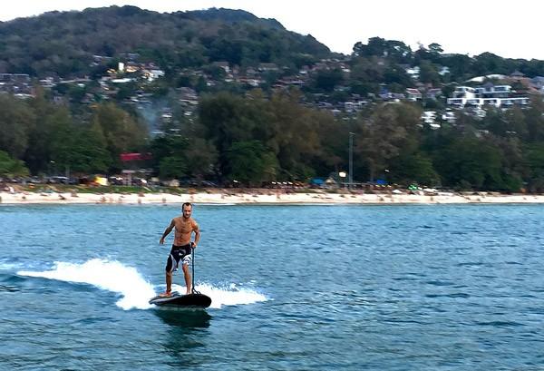 Lampuga Boost: een razendsnel elektrisch surfboard