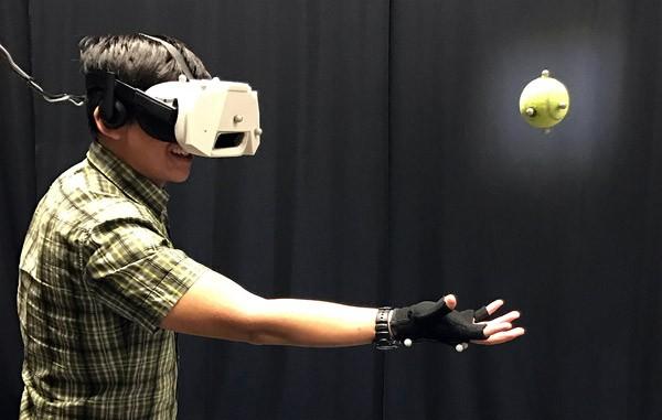 Je kunt nu in virtual reality echte ballen vangen