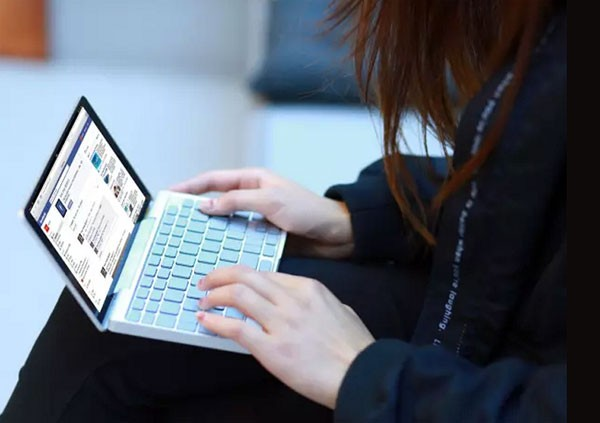 De kleine GPD Pocket laptop haalt miljoenen op