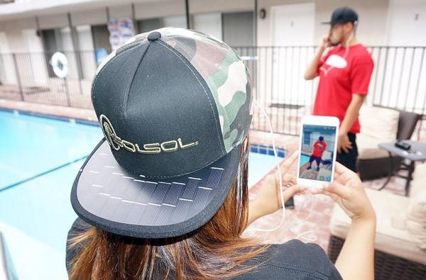 SolSol: de pet die je smartphone oplaadt